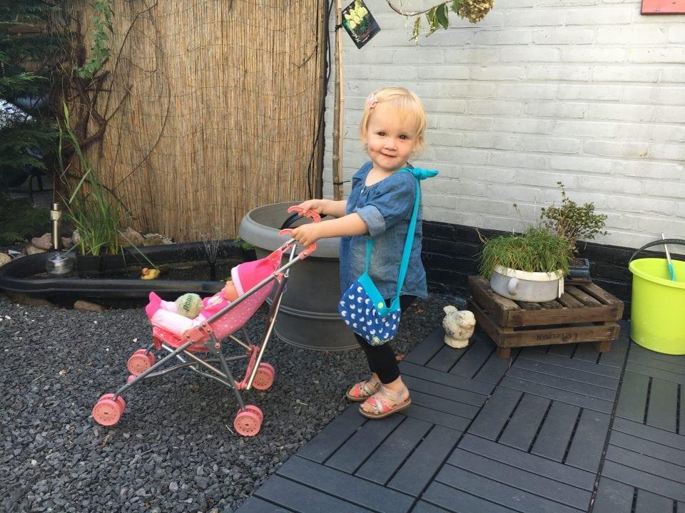 Kleine meisjes worden groot | Leia 2 jaar