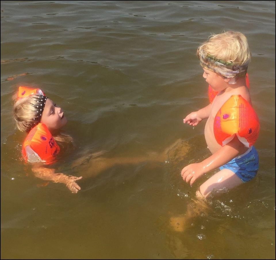 Nancy | Een tolk bij het zwemmen