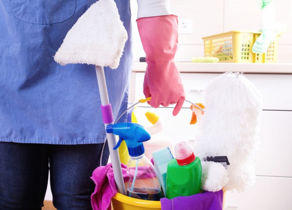 Hoe houdt je het huis gemakkelijk schoon als werkende moeder?