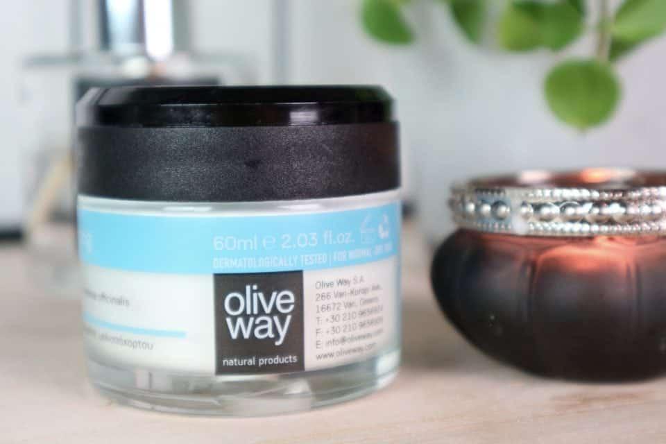 cruelity free huidverzorgingsroutine oliveway lefki exfoliating scrub beauty blog mama blog oliveway dagcreme