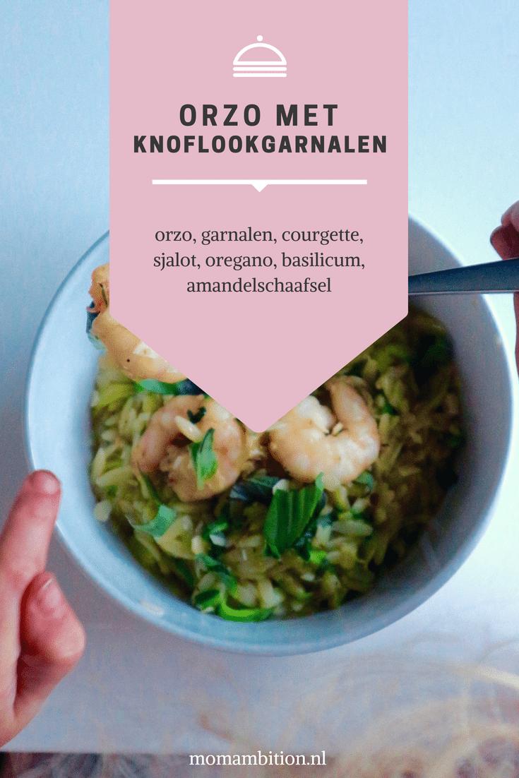 Recept | Orzo met knoflookgarnalen en courgette